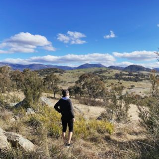 Today's lockdown walk. Haven't been on this trail since the last (and first) lockdown at the start of last year. Impossible to capture the glorious vastness. And not another person around.  #lockdown #lockdownlife #canberra #canberralife #landscape #mountains #cloudscape