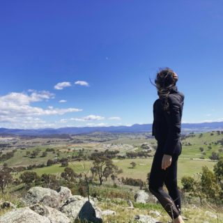 So needed this walk to clean me out. Hit an all-time lockdown low yesterday. Melbourne, I have no idea how you have survived so long. Sending hugs to everyone in lockdown today x  #lockdown #walk #dailywalk #mountains #landscape #canberra #canberraliving #fuckcovid