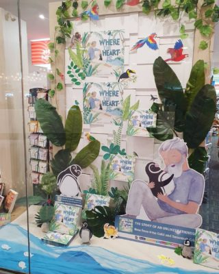 How completely stunning is this window display in Dymocks Civic that Susannah Crispe has created for our book! Come check it out at our book launch there on Saturday 26 June at 11am. They'll be cupcakes and craft and a book reading too 💙  #wheretheheartis @oh.susannah.illustration @ekbooksforkids #picturebook #picturebooks #picturebookillustration #picturebooksofinstagram #picturebooksaremyjam #kidsbooks #kidsofinstagram #reading #kidsbooksofinstagram #penguin #penguins #riodejaneiro #brazil @dymockscanberra @dymocksbooks